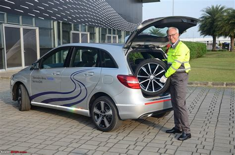 mercedes launches mobilo 24x7 roadside assistance