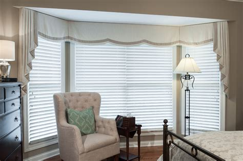 Curtains For Bay Windows Bay Window Curtain Ideas Living Room Contemporary With Bay Window Beige Patterned