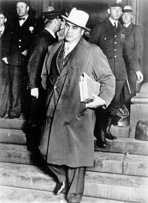al capone s wars a complete history of organized crime in chicago during prohibition books al capone never shut up