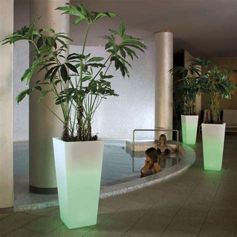 vasi illuminati per esterno vasi luminosi per giardino ed inerni vasi per piante