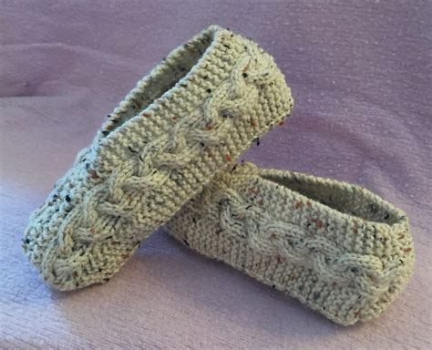 knitted slipper patterns kweenbee and me learn to knit slippers with these patterns