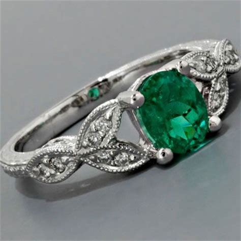 buyers guide for emerald engagement ring jewelinfo4u