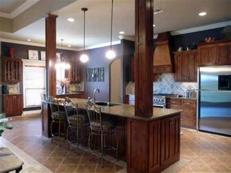 Kitchen Islands With Seating For 4 For Sale by 4 Bedroom 4 Car Garage 4 Sale In Longhorn Estates 12325