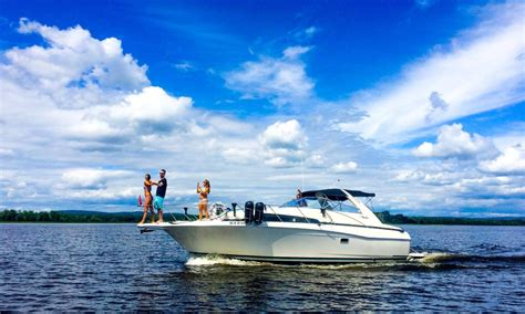 boat rental montreal 35ft motor yacht charter in montreal canada getmyboat