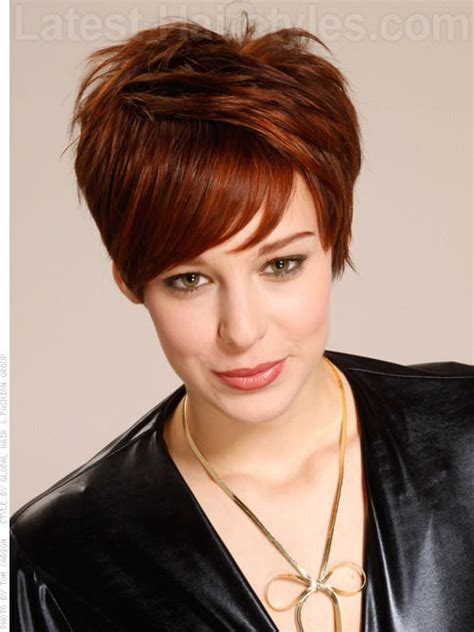 diferent hair highlights for older women 70 stupendous short haircuts perfect for round faces