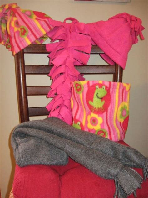 How To Make Handmade Scarves - 17 best images about diy scarfs fleece blankets on