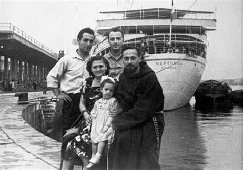 refugee boat north queensland italian immigrant family at ellisisland ellis island
