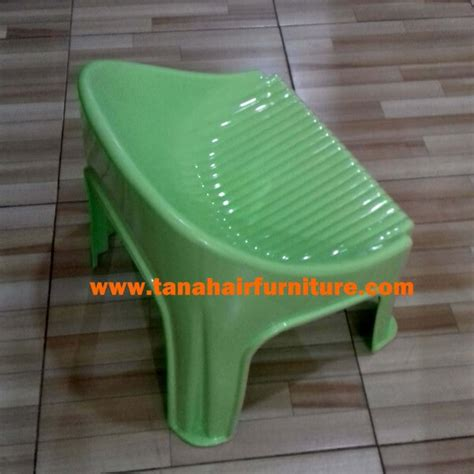 Aneka Kursi Plastik kursi plastik anak akako