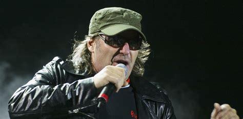 vasco rock vasco 40 anni di rock italiano in un concerto e 5