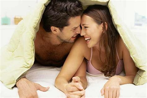 girls having sex in bed 5 things men think about during sex just amorous