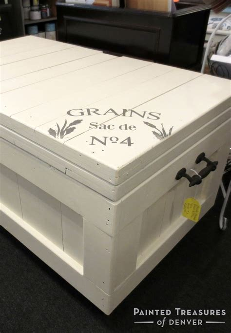 Top Coat For Painted Furniture by Chest Painted With Heirloom Tradition S A La Mode Chalk Type Paint And Sealed It With The Best