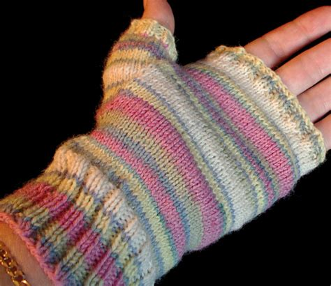 free fingerless gloves knitting pattern uk the distracted domestic possible new obsession