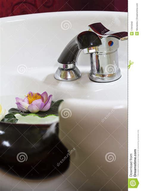 salon hair washing sinks hair wash sink stock photography image 17910342