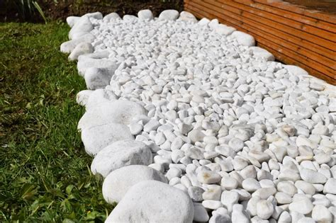 decorative marble snow white carrara stones gravel