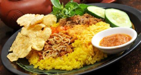 cara membuat nasi kuning simple cara membuat nasi kuning agar terlihat lezat dan menarik