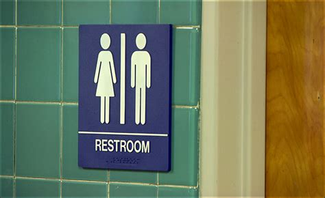 teacher bathroom feds forcing public schools to adopt nondiscrimination