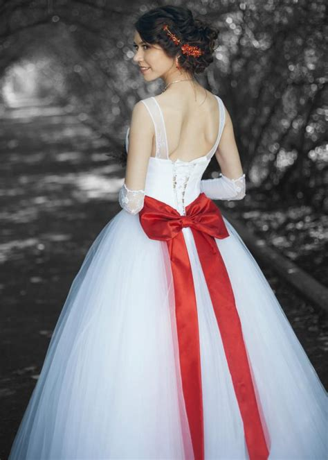christmas wedding dresses pictures