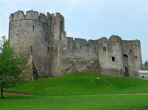 Castle L by What Is A Castle