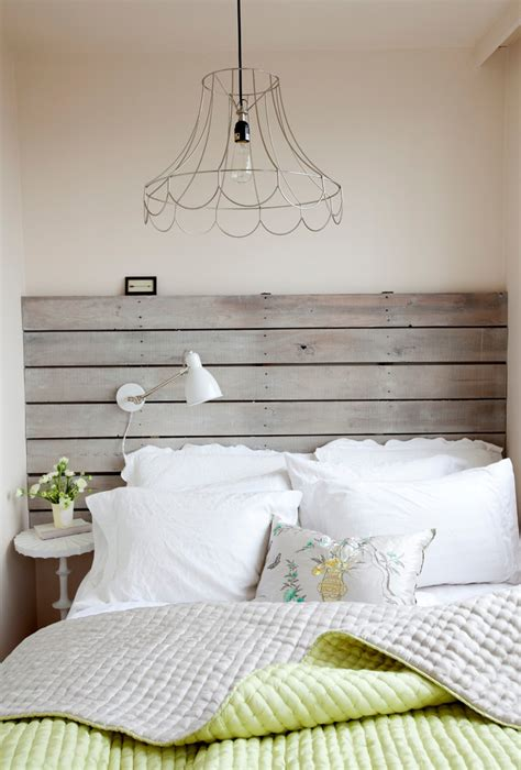 Cottage Style Headboards by Bed Headboard Of Wooden Pallets Pre Tend Be Curious