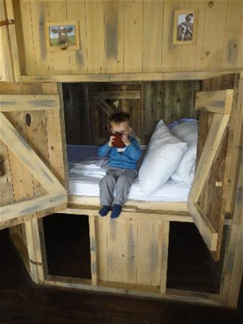 Cabin Bed Reviews by Cabin Bed Picture Of Feather Farms At New Barn Farm