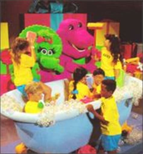barney and the backyard gang barney in concert 170189 jpg 25 kb
