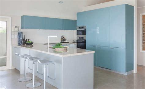 glacer cuisine davaus facade de cuisine bleu avec des id 233 es