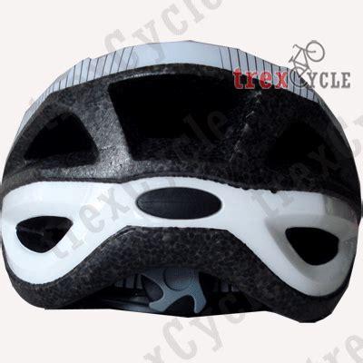Helm Sepeda Strummer trexcycle toko helm sepeda gunung dan sepeda balap united dan mexel helm sepeda balap