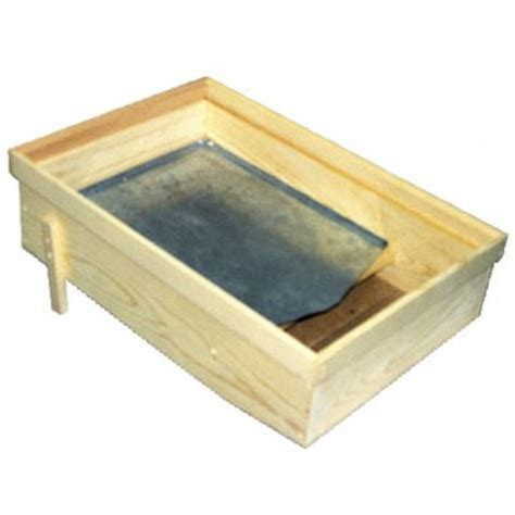 solar wax melter the hive solar wax melter m00501 dadant sons