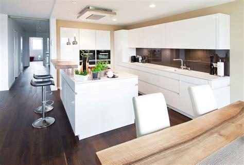 u küche weiss hochglanz kuche weis hochglanz moderne k 252 che hochglanz weiss