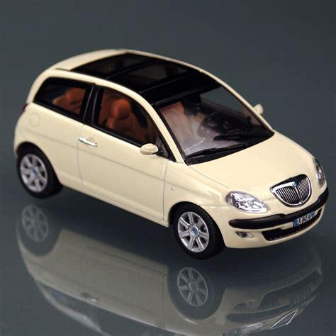 lancia y iii 2004 pics auto database