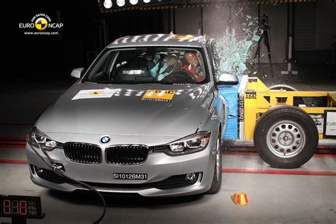 crash test si鑒e auto bmw 3 series is awarded 5 in the ncap crash