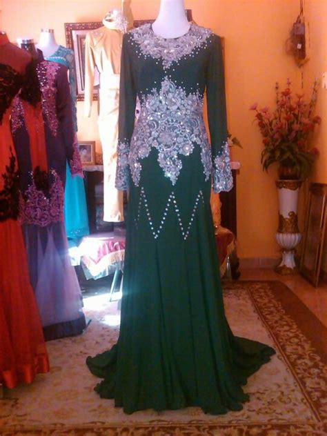 Baju Dress Hijau Emerlad hijau lumut emerald green dress emerald green dresses and kebaya