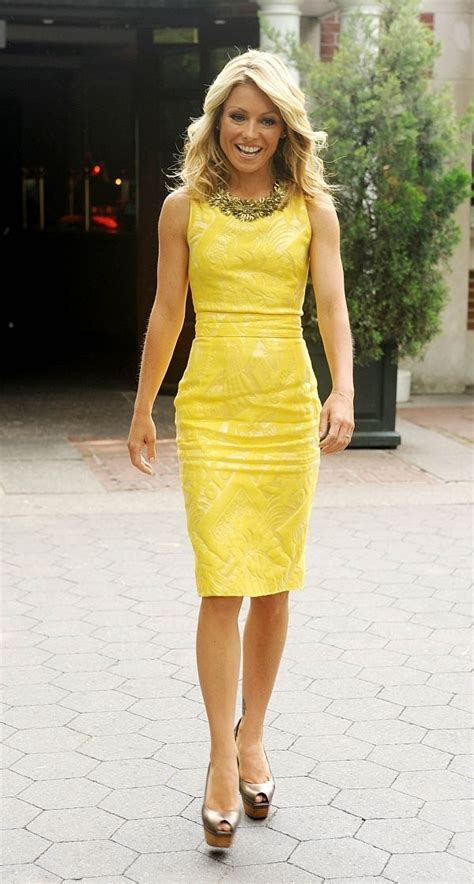 does kelly ripa wear ryka hairstylegalleries com 27 best images about headshots on pinterest gwyneth