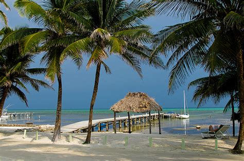Reasons I Living In A Tropical Country by Why Expats Are Living In Belize