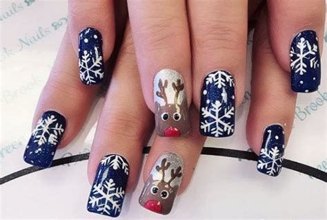 2018 christmas nails theme snow nail the prettiest snow nails winter nail designs for 2017