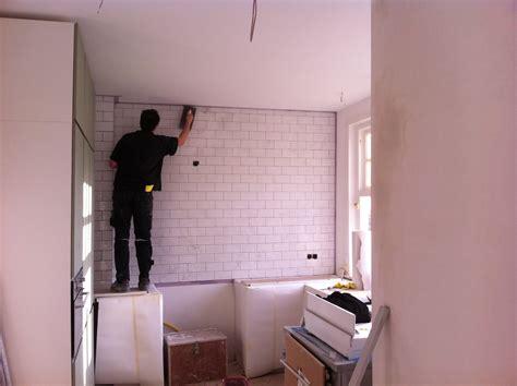 plafond badkamer betegelen keuken betegelen tot plafond atumre