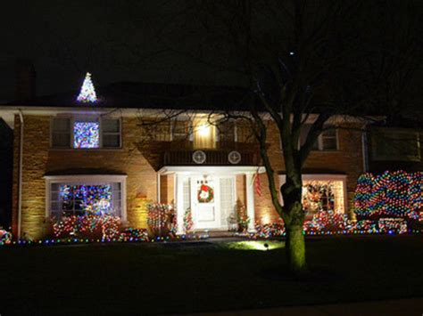 lincolnwood towers lights the 10 best things to do during the holidays in chicago