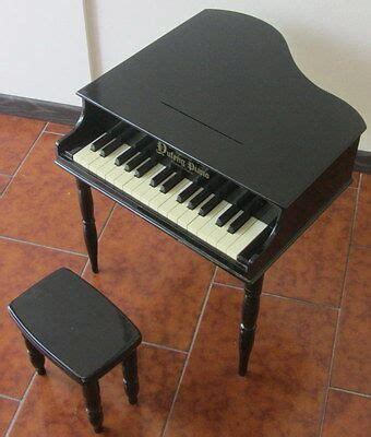 sgabello per pianoforte pianoforte a coda in legno con sgabello per bambini