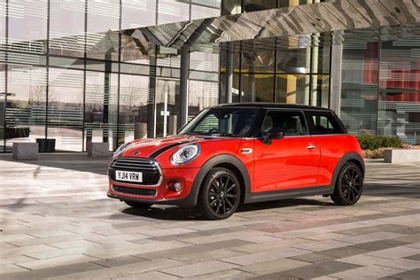 Mini Cooper Hatch by New Mini Cooper Hatch Shows Contemporary Evolution Of
