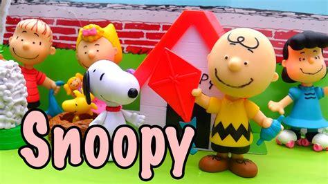 imagenes navideñas animadas de snoopy juguetes de snoopy charlie brown de los peanuts y snoopy
