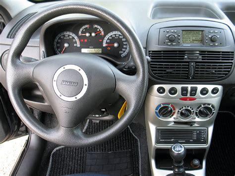 Volante Punto Sporting by Fiat Punto 1 2 16v Sporting 3p Clima Air Bag Cerchi