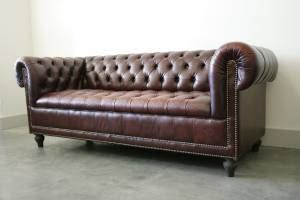 chesterfield couch craigslist 1000 images about british colonial chesapeake project