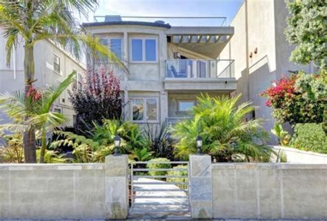 former ny giants michael strahan lists hermosa