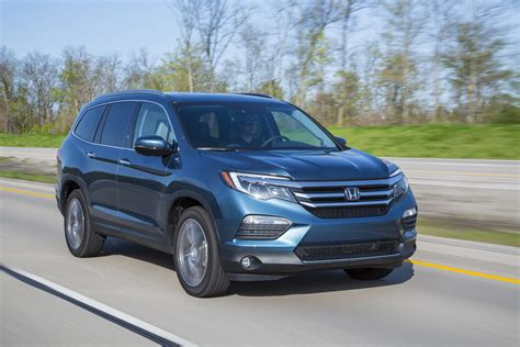 honda pilots the 8 coolest features on the 2016 honda pilot