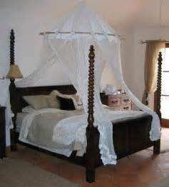 traditional custom made twisted pencil post bed from the twist turned pencil post bed