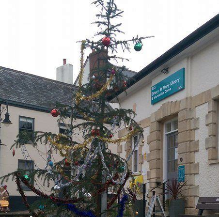 worst christmas tree in britain gets a makeover after