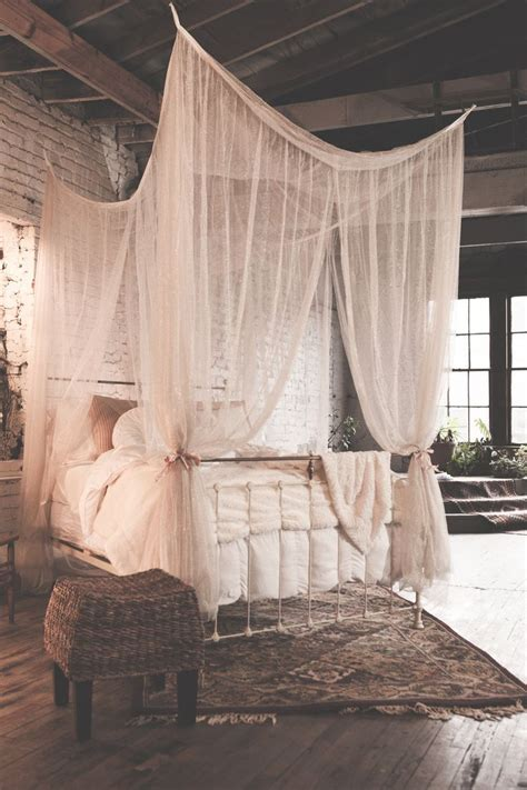 poster beds with canopy best 25 four poster beds ideas on pinterest four poster
