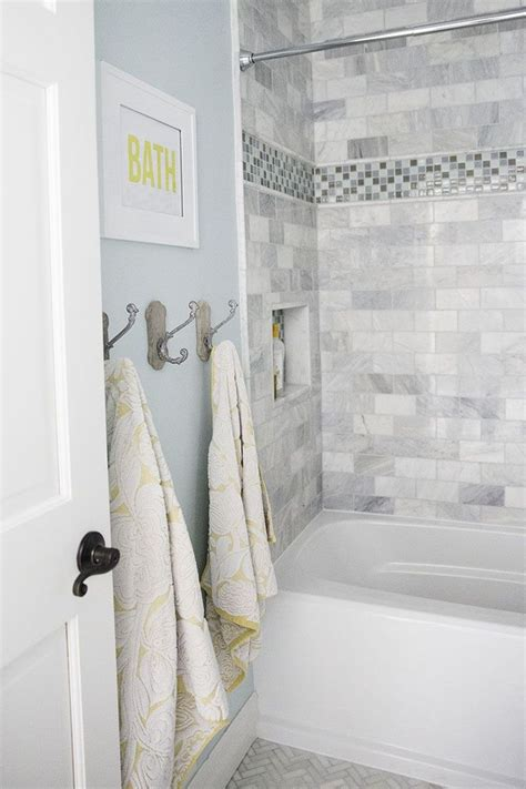best 25 blue gray bathrooms ideas on pinterest bathroom best 25 blue gray bathrooms best 25 blue white bathrooms