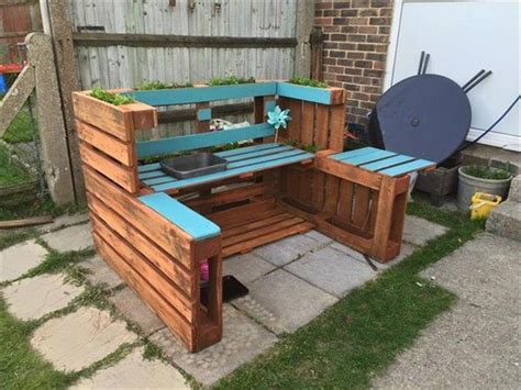 DIY Outdoor Pallet Kitchen   Recycled Pallet Ideas