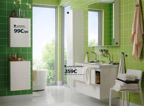 Formidable Lavabo Salle De Bain Ikea #5: extrait-du-catalogue-salle-de-bain-ikea-2017-salle-de-bains-verte_5656721.jpg